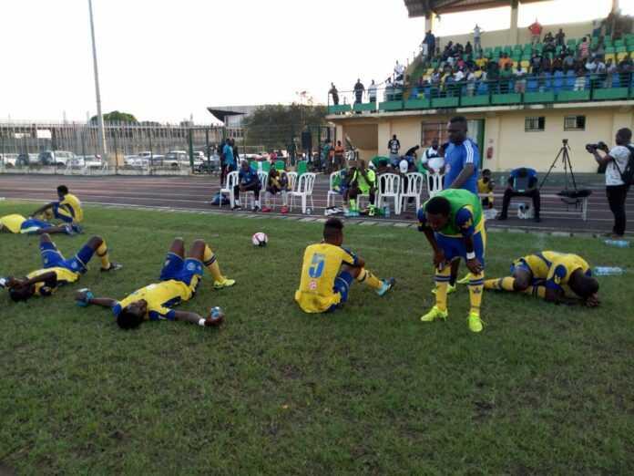 Un footballeur décède en plein match — Gabon